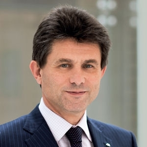 DE CASTRIES H._photo